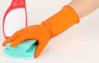 セスキ炭酸ソーダを使う時、できればゴム手袋を