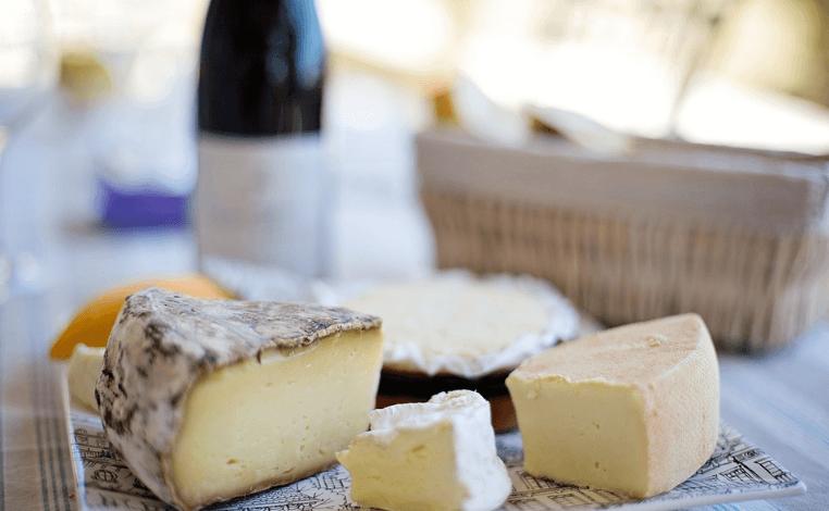 おしゃピクに持っていきたいチーズ(チーズフォンデュ)