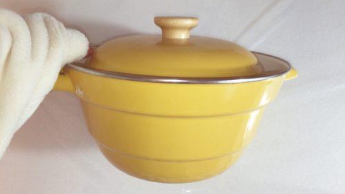 富士ホーローの鍋