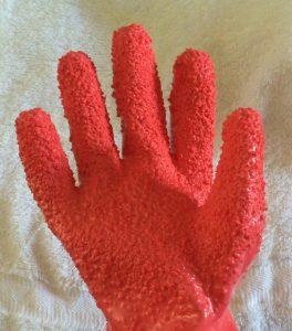 ダイソーのpeelerGlove(ピーラーグローブ)は女性の手の大きさにちょうどいい