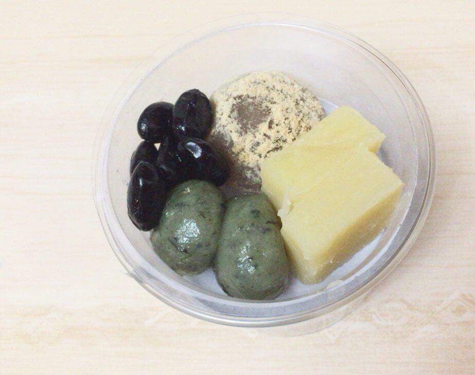 成城石井の黒胡麻のパルフェ栗餡わらび餅と金時芋ようかん入りの中身