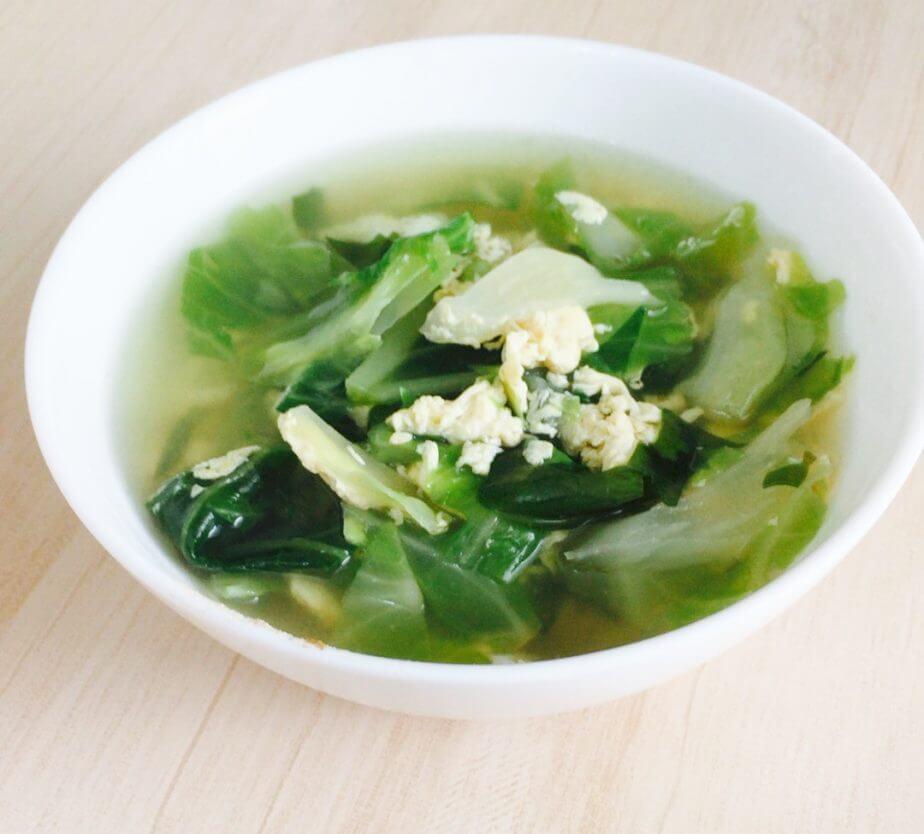 タマチャンショップで購入したみらいのしょうが(生姜パウダー)を野菜スープに入れる