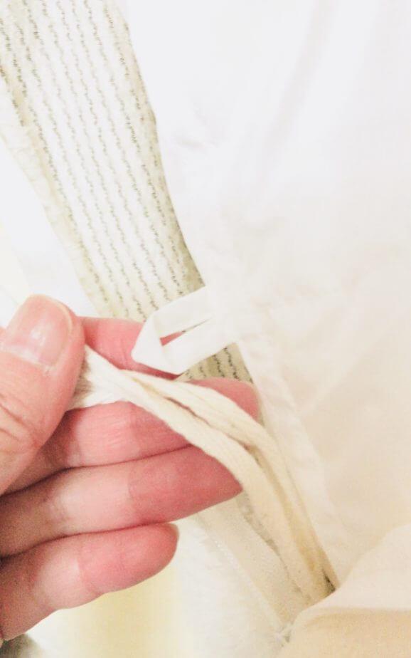 トゥルースリーパーホオンテック掛け布団は紐がついていて便利
