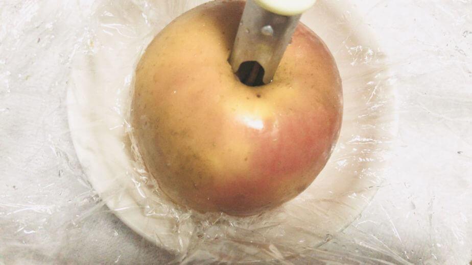 ダイソーのりんごの芯抜きをりんごに使ってみる
