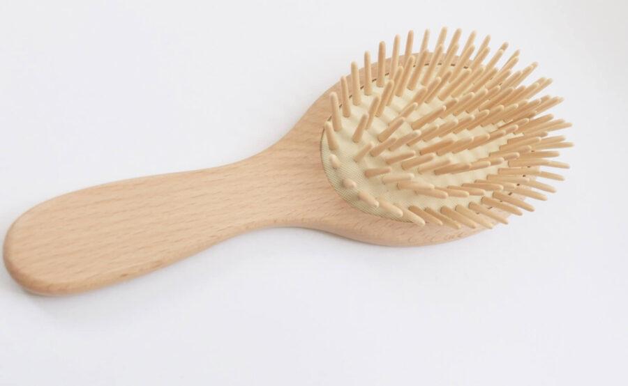 【口コミ】無印の木柄頭皮ケアブラシを使ってみた!剛毛&髪の量が多い人には良いかも