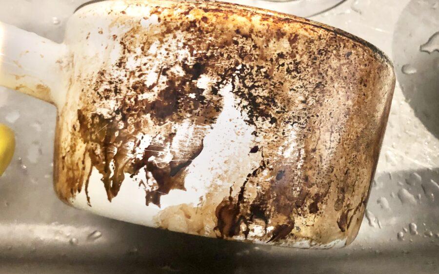 ホーロー油鍋の超ガンコな油汚れ