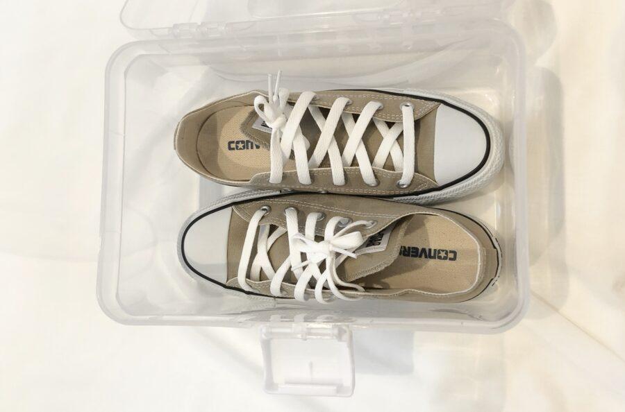 ダイソーで購入したストックボックス300円にサンダルや靴が収納できた